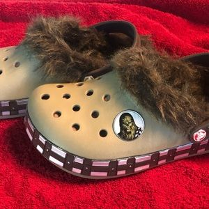 FURRY STAR WARS CHEWBACCA CROCS SZ 4M 6W